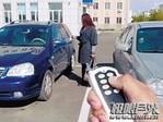 江西上饶破获60多起利用干�扰器盗窃车内财物案