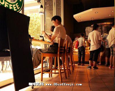 到咖啡馆喝咖啡,已成为不少市民的休闲方式